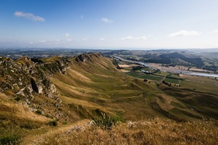 Te-Mata-Peak-and-the-Tuki-Tuki-River-1600x1067